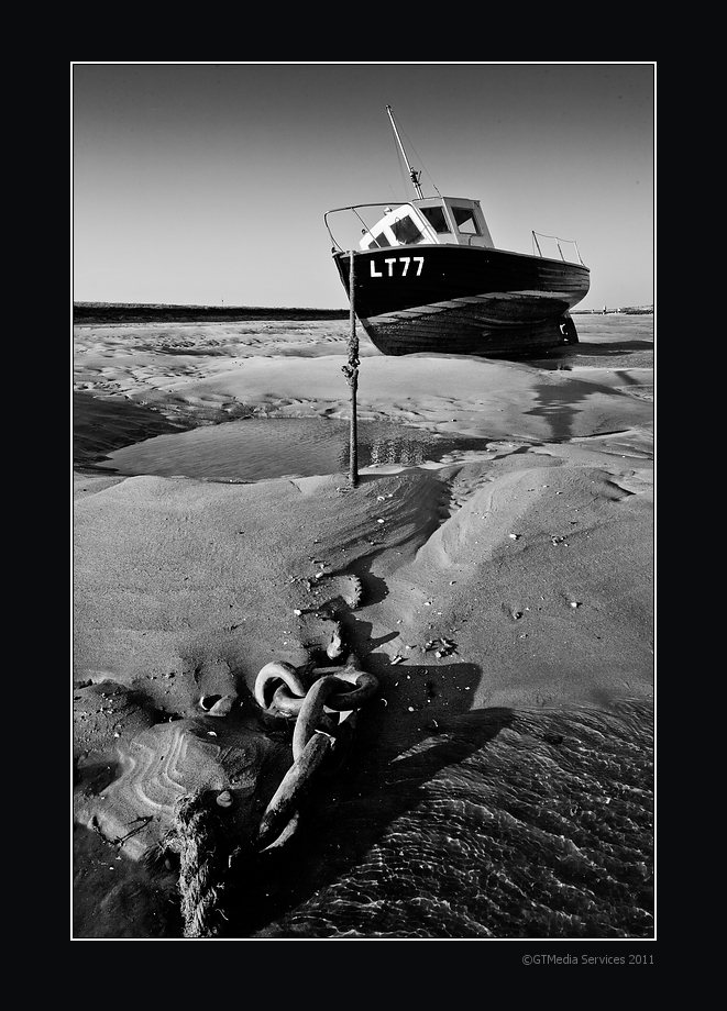 IMAGE: http://www.gtmedia.com/photos/Fishing%20boat%20at%20Burnham%20Overy%20Staithe.jpg