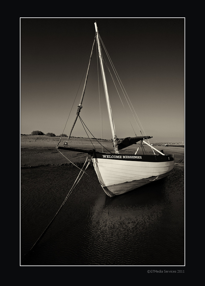 IMAGE: http://www.gtmedia.com/photos/Sailing%20Boat%20at%20Burnham%20Overy%20Staithe.jpg
